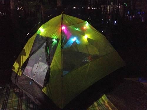 夜に光るテント