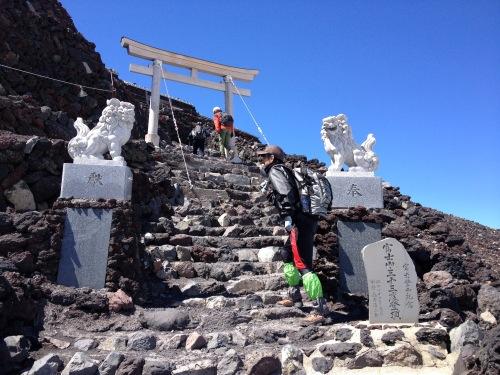 富士山の登り方がわかる!持ち物・登山装備から体験記まとめ