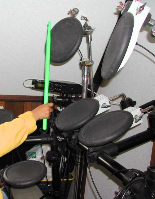 ゴムパッドの電子ドラム