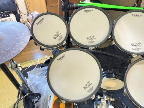 電子ドラムのメッシュバッド