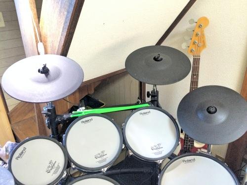 電子ドラムのシンバルは最低2枚