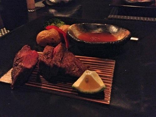ニンジャアカサカのステーキ