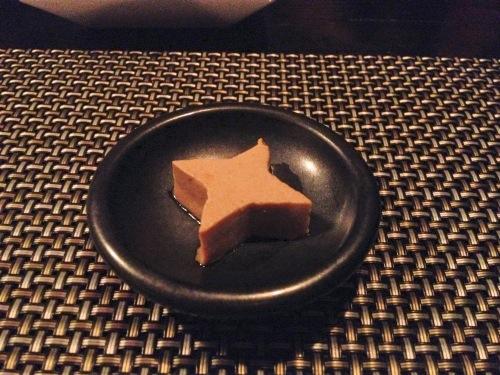 超本格マジックを楽しめる東京・赤坂の創作料理の名店!ニンジャ アカサカは日本を楽しむ外人客でいっぱいだった