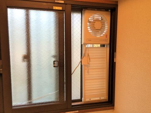 寒い部屋とトイレを二重サッシに!インプラスのペアガラスで断熱効果抜群!防音・耐震性がアップした