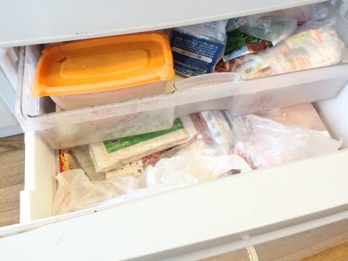 冷凍庫が満杯