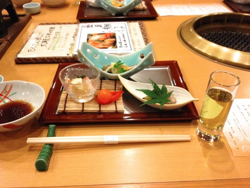 箱根小涌谷温泉 水の音の食事 食前酒と前菜
