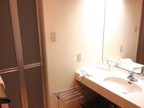 箱根小涌谷温泉 水の音は部屋にもシャワーがある