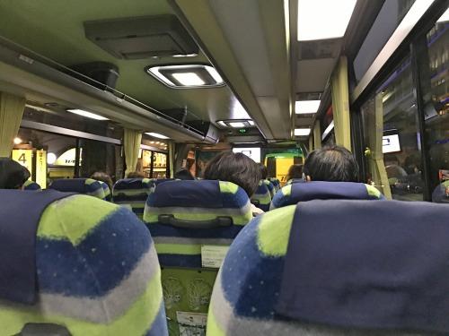 はとバスの車内でバスガイドさんの携帯番号が伝えられる