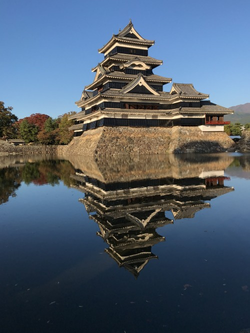 長野県松本城の「逆さ松本城」?