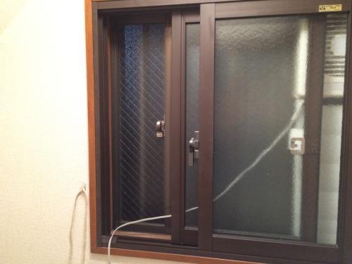 トイレの窓を二重サッシにしてトイレを暖かくする