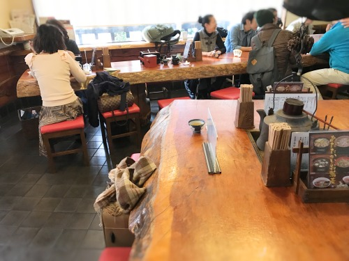 長野県松本市「こばやし」の店内