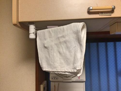 O157・インフルエンザ・ノロウイルス対策として、食器を拭くふきんはいつも干した状態にするため、ふきん掛けに掛ける