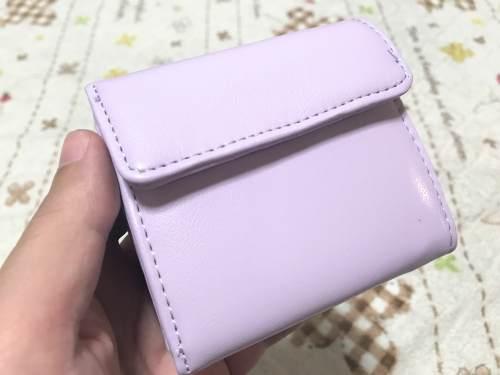 楽天市場で購入した三つ折りミニ財布。カラー豊富な3つ折りミニ財布!ちょっとコンビニへとか、ちょっとした軽装のときに使いたくなる